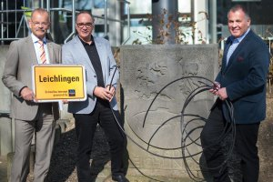 Jost Hermanns, Geschäftsführer NetCologne, Reiner Pliefke, Breitbandbeauftragter der Stadt Leichlingen und Bürgermeister Frank Steffes